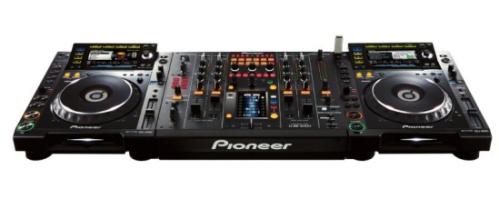La table de mixage Pioneer DJM-2000 est tactile et numérique table de mixage pioneer
