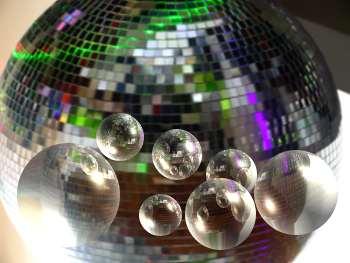 Boule a facettes_light